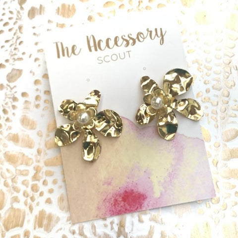Tipsy Gold Pearl Flower Earrings