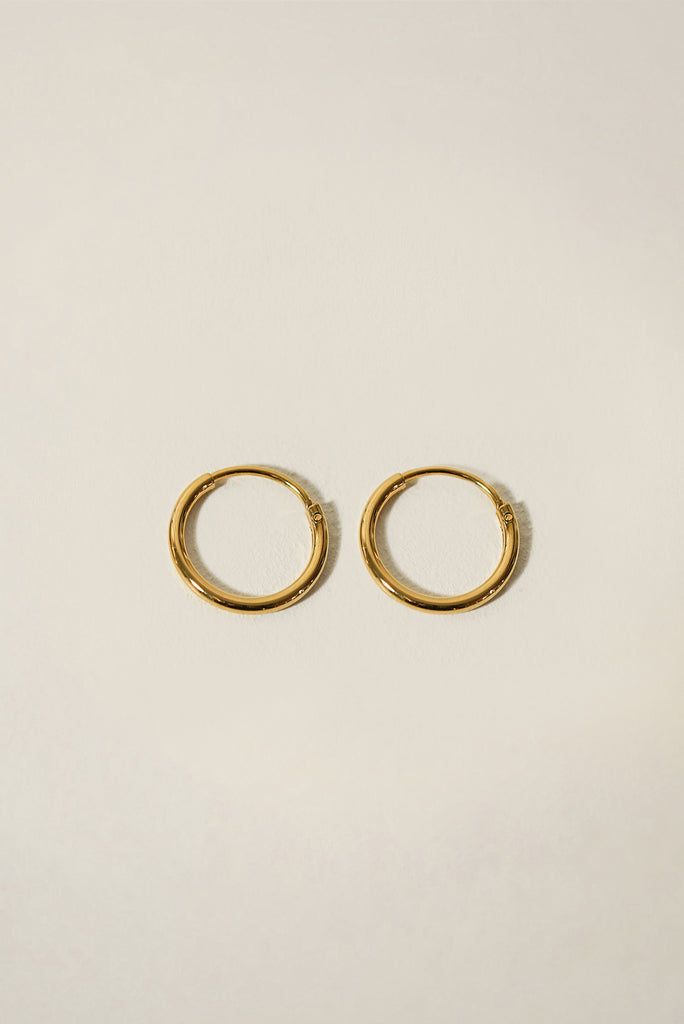 Essentials Seamless Hoop Earrings 18mm