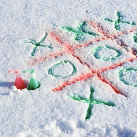 Tic-Tac-Snow Easy Winter Game in the Snow