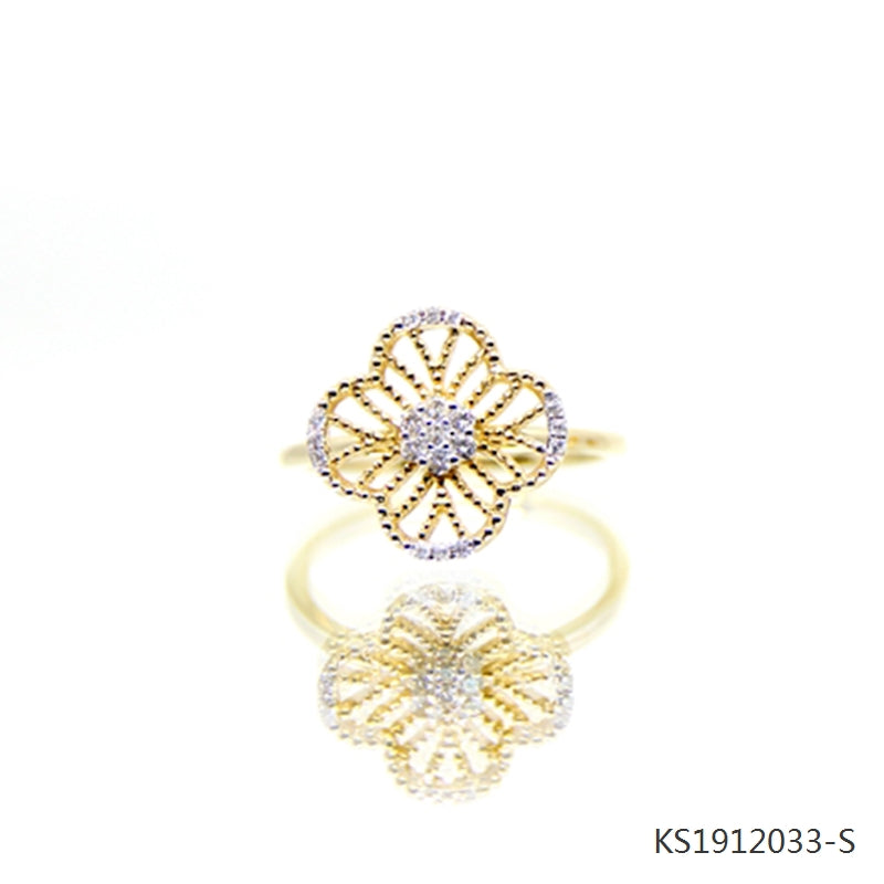 Cubic Zirconia Clover Ring in 18K Yellow Gold Plated Sterling Silver