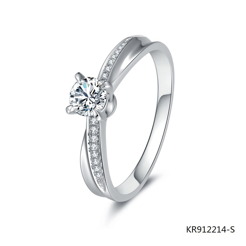 4-Prong Hand Setting Cubic Zirconia S925 Sterling Silver Engagement Ring