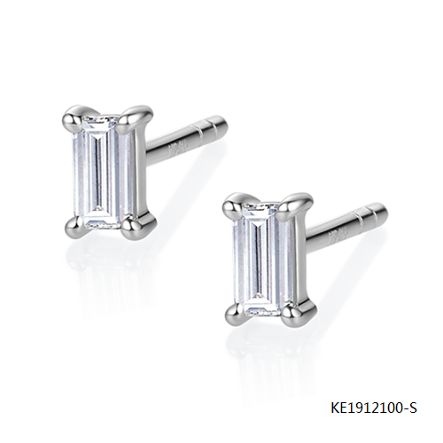 Sterling Silver Earring Stud with Baguette Cubic Zirconia Stone