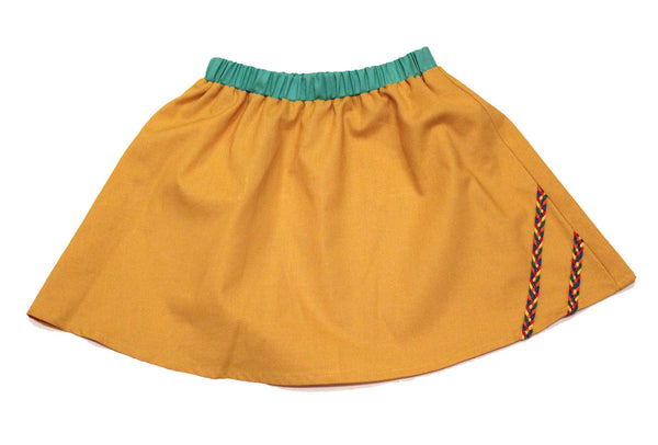 MY YELLOW SKIRT.