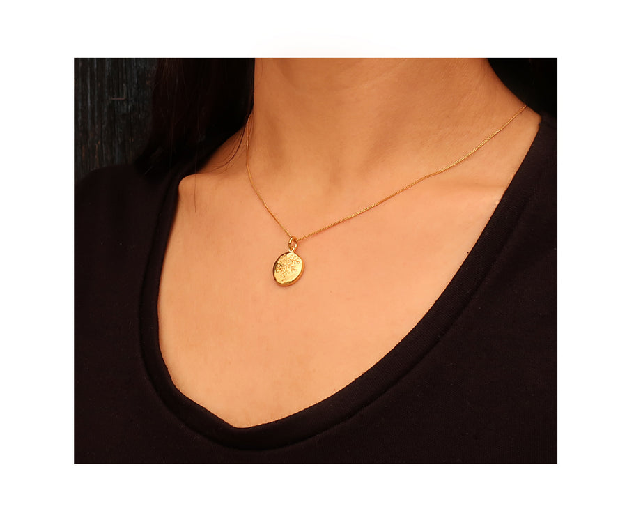 Gold Rue Small Pendant