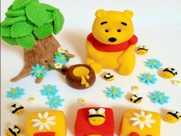 Edible winnie the pooh cake topper