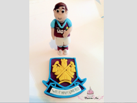 edible West Ham cake topper