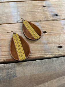 LEATHER CHEVRON EARRING