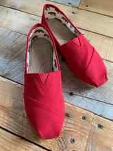 Load image into Gallery viewer, TOMS RED CLASSIC ALPARGATA | SIZE 6.5, 7 + 11