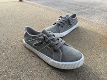 Load image into Gallery viewer, BLOWFISH GREY FRUIT SNEAKER