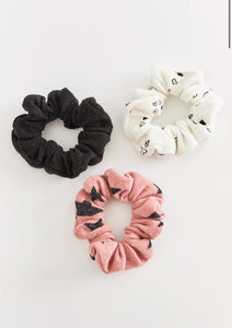Z SUPPLY HEART + STARS SCRUNCHIES