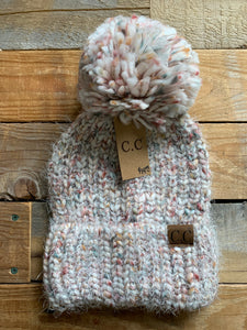 CC FEATHER YARN POM BEANIE
