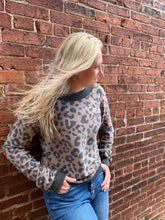 Load image into Gallery viewer, SUPER SOFT LEOPARD PULLOVER