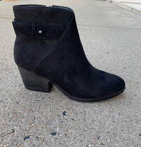 RORY BLACK SUEDE BOOTIE