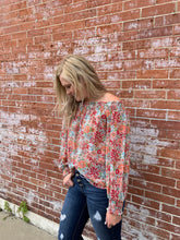 Load image into Gallery viewer, FLORAL OFF SHOULDER TOP