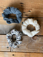 Load image into Gallery viewer, Z SUPPLY SCRUNCHIES - LEOPARD COMBO