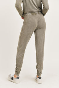 OLIVE MINERAL WASH SHIRRED ANKLE JOGGERS