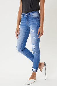 KAN CAN MID RISE LIGHT WASH DISTRESSED SKINNY