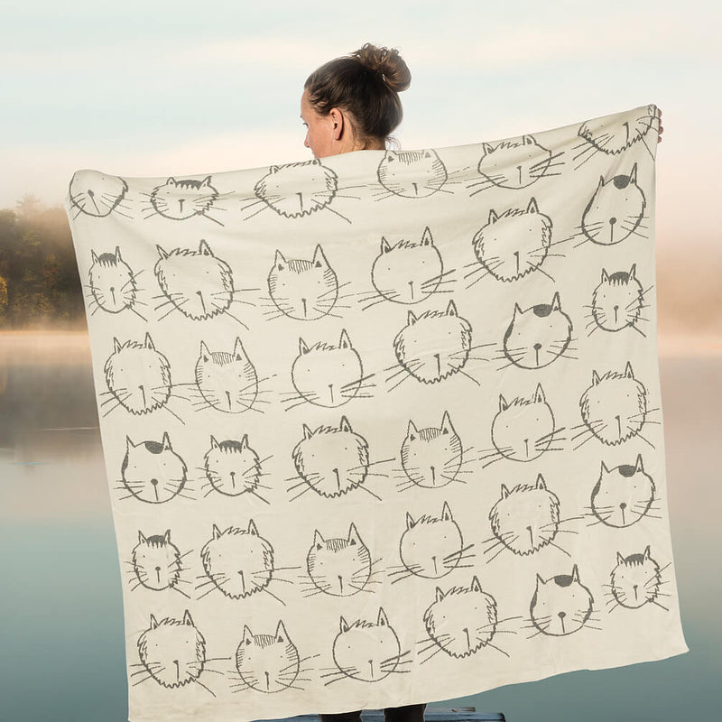 Funny Cat Faces Knit Throw