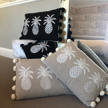 Load image into Gallery viewer, Pineapple Cushion - Black/White