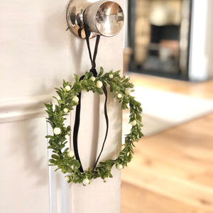 Mistletoe Berry Wreath