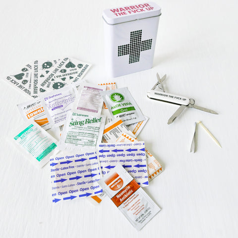 Handy Set - Retro First Aid Tin Swiss Army Temporary Tattoo Set