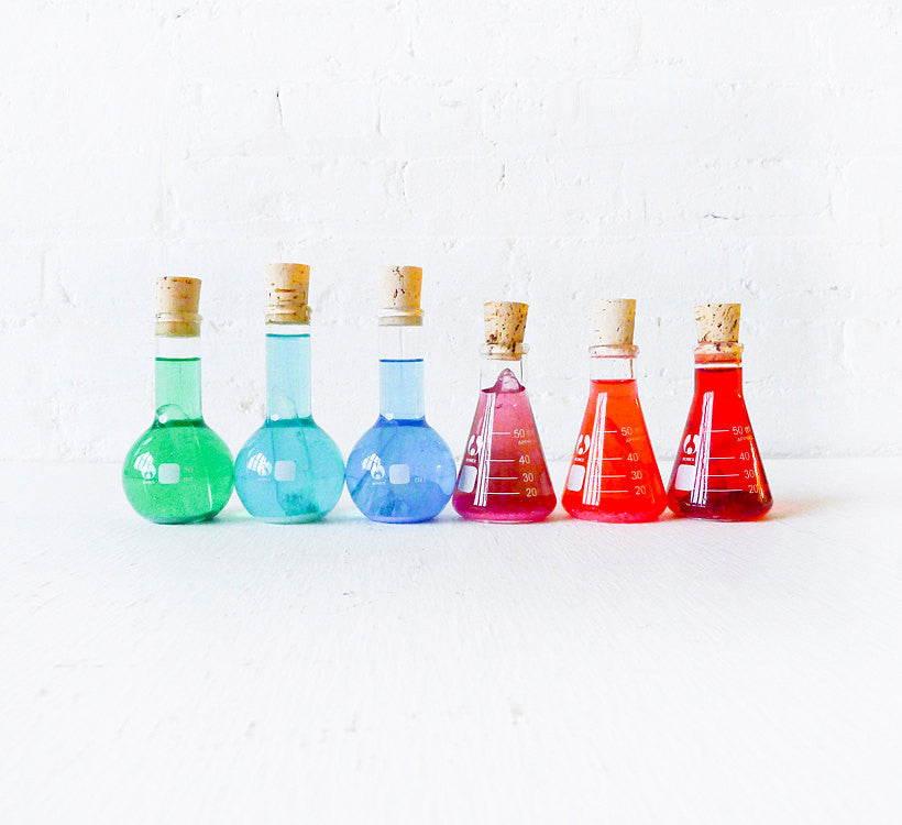 Mad Scientifical Chemistry Colorful Science Beaker with Raw Quartz Glitter