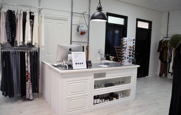 Ebony and Chrome Boutique Jindabyne Store Pic Counter