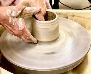 pottery,pottery wheel, pottery class,ceramic,ceramics,handmade,hand-made,clay,porcelain