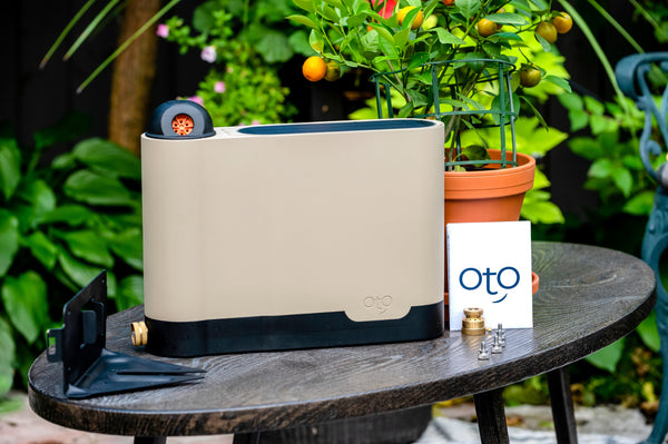 oto smart device on table with all package inclusions