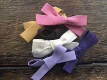 Load image into Gallery viewer, Fabric bow baby headband