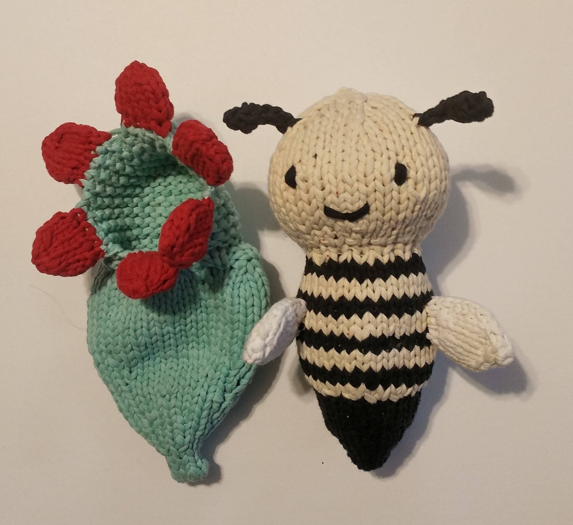 Bumblebee and flower (Stuffed Toy)