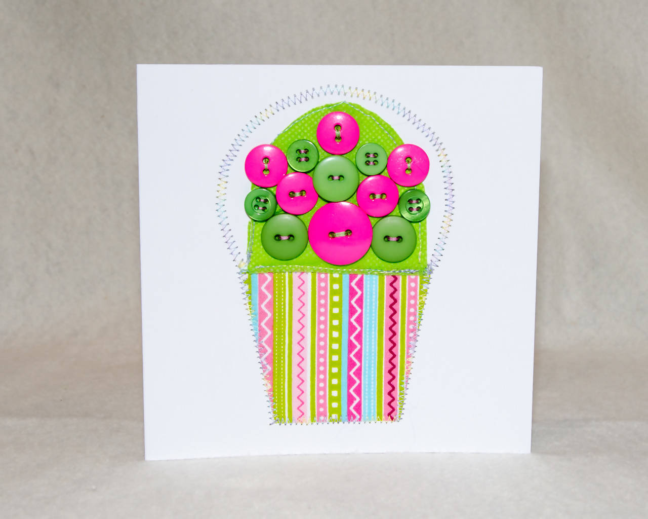 Cupcake Greeting Card - Handmade - Fabric and buttons on paper / Blank Inside