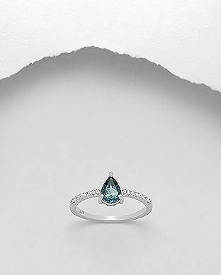 925 Sterling Silver Ring Decorated With London-Blue Topaz size 9