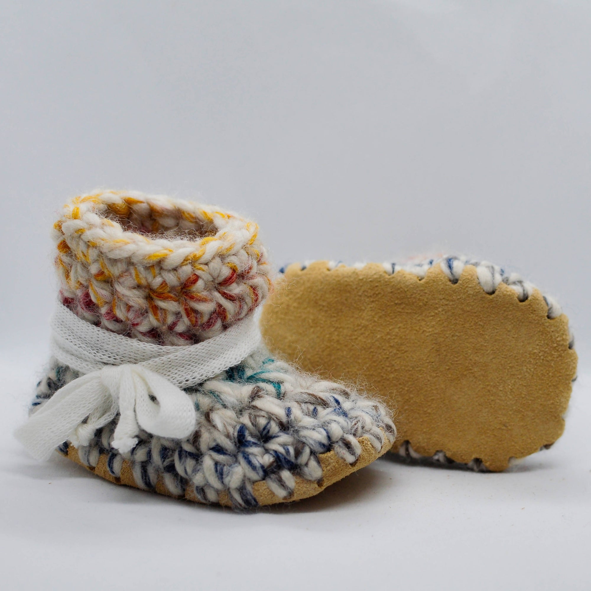 HUDSON BABY BOOTIES / SHOES WITH WHITE SHOELACE TIES