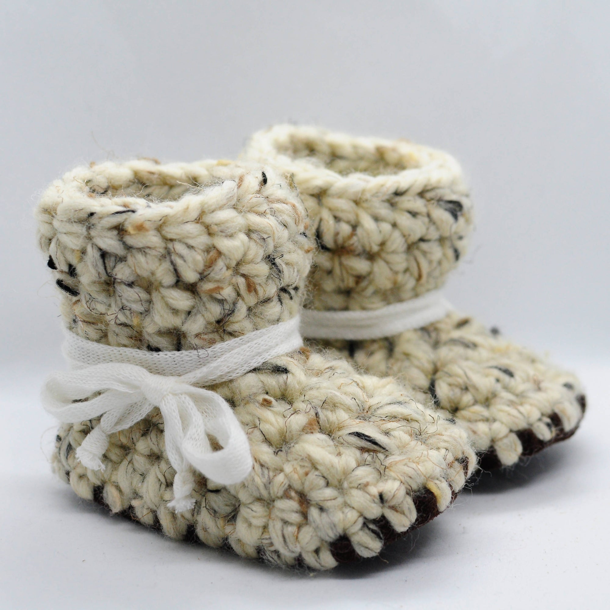 OATMEAL BABY BOOTIES / SHOES WITH WHITE SHOELACE TIES