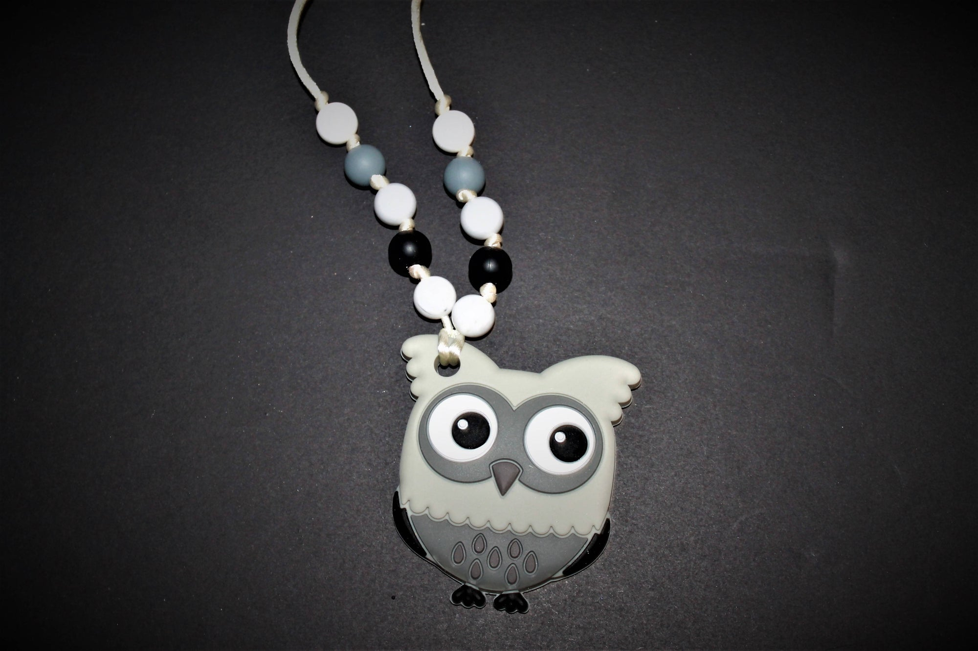 Gray Owl Brakeaway Necklace