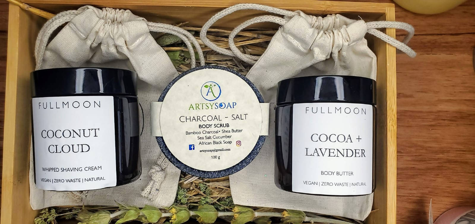 Smooth Shave | Spa Set FullMoon & Artsysoap Partnership