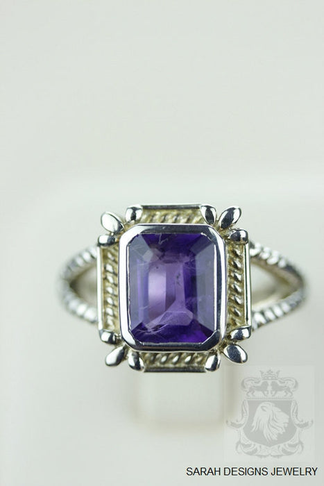 Size 8 Amethyst Sterling Silver Ring r718