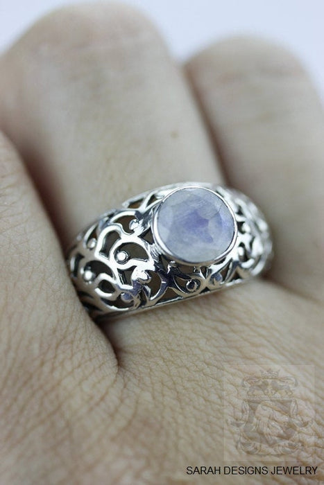 Size 7.5 Moonstone Sterling Silver Ring r249