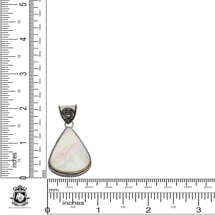 Mother of Pearl Pendant 4mm Snake Chain V1152