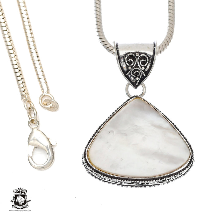Mother of Pearl Pendant 4mm Snake Chain V1154