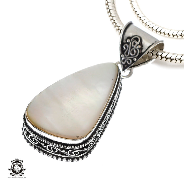 Mother of Pearl Pendant 4mm Snake Chain V1155
