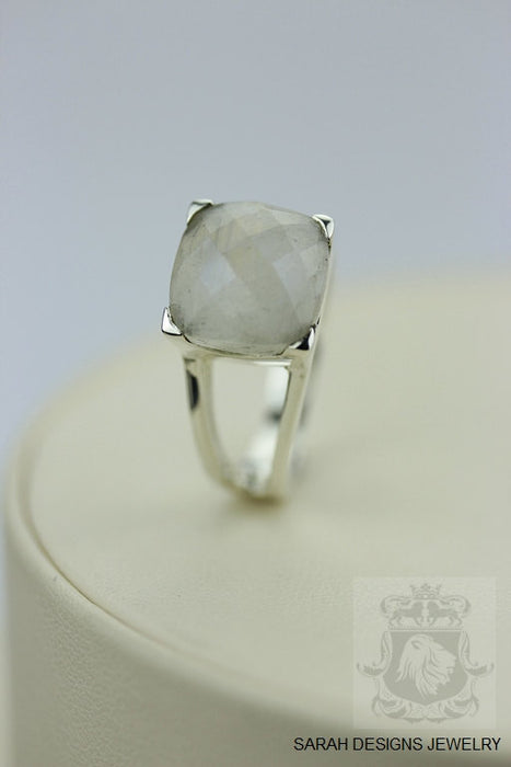 Size 7 Moonstone Sterling Silver Ring r208