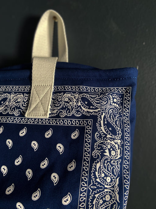 Arizona Love Bandana Bucket Bag in Navy