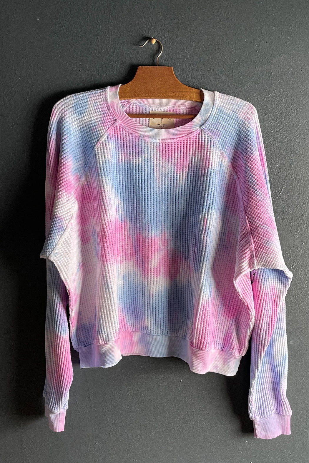 Electric & Rose Cass Pullover in Rosey Wave