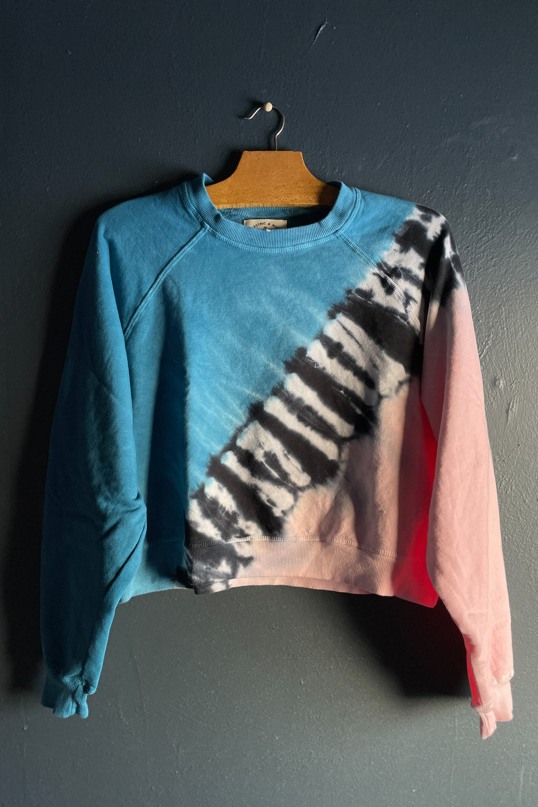 Electric & Rose Ronan Pullover in Crest Blue, Onyx and Camille