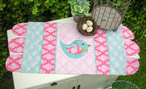 "The Rivendale Collection ""Stickybeak"" Table Runner Pattern by Sally Giblin"
