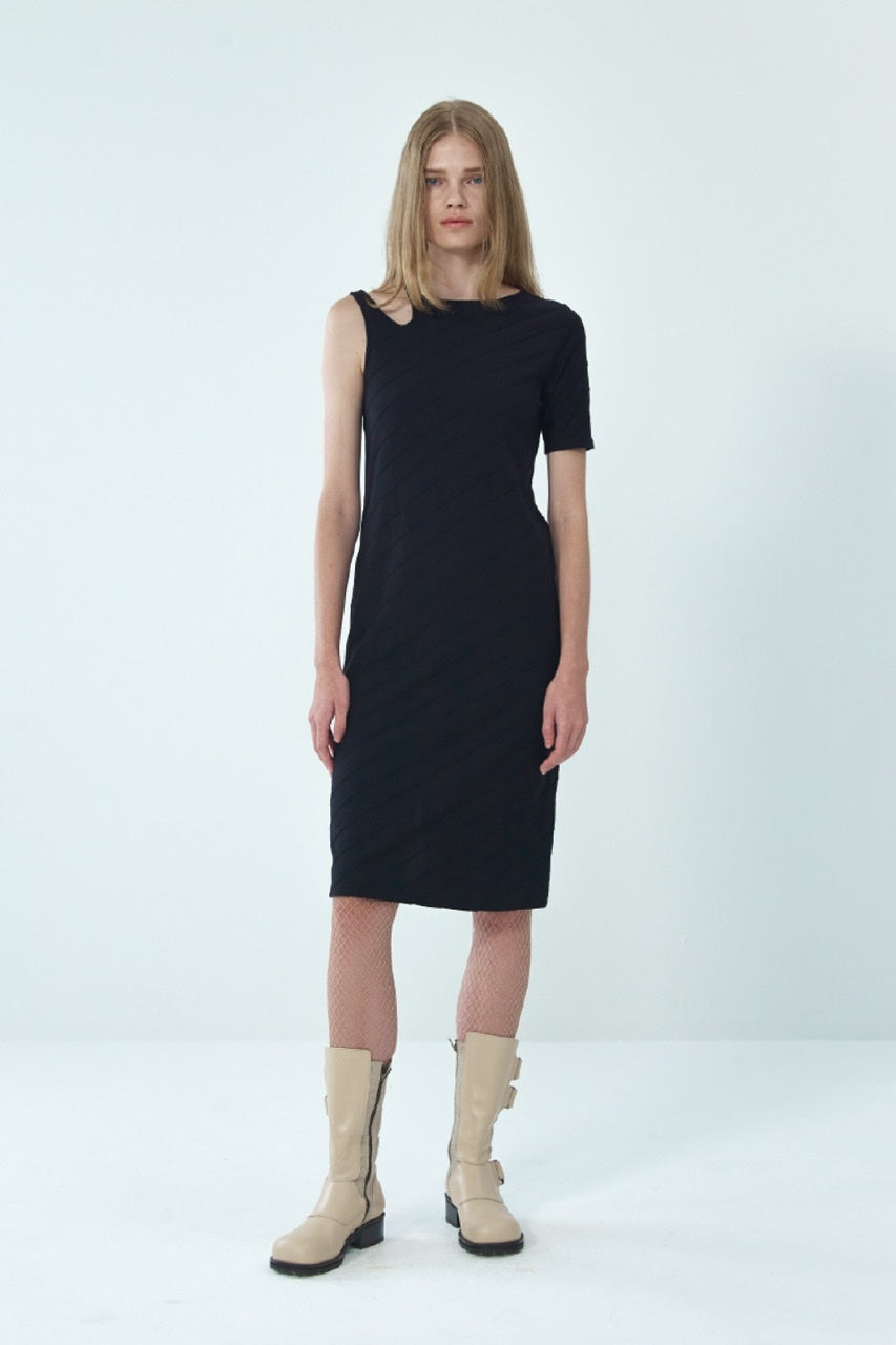 ONE-SHOULDER CUT-OUT DRESS BY THEOPEN PRODUCT IN BLACK
