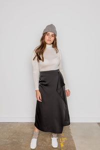 Wave Silky Skirt in black