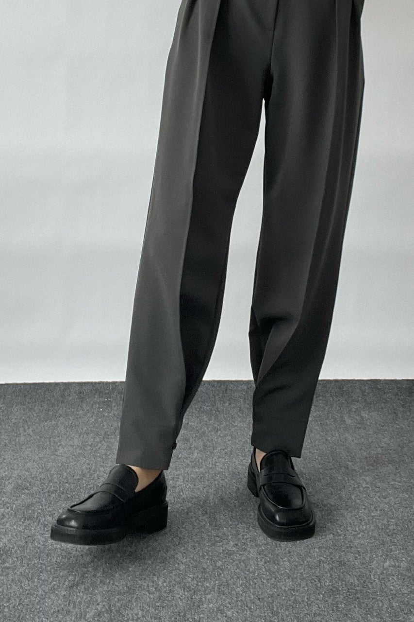 Two-way Pleat Front Trousers in Khaki Gray